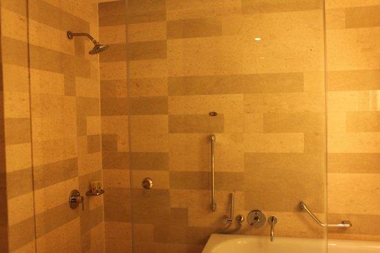 Bathroom Mirror Kl bathroom mirror - picture of traders hotel, kuala lumpur, kuala