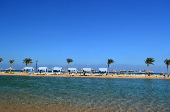 Harmony Makadi Bay Hotel & Resort: Пляж