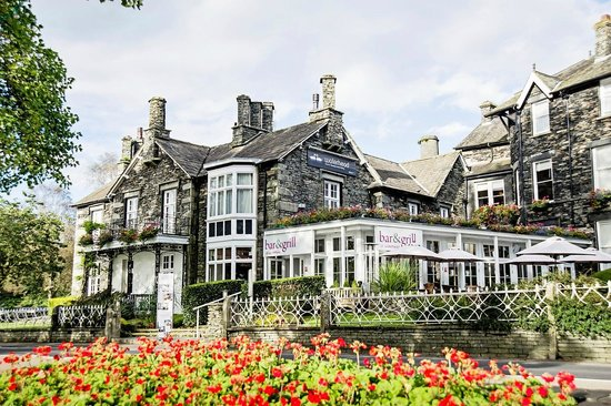 Waterhead Hotel: Outside the Hotel