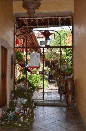 Hotel Casa Encantada: Entrée BB
