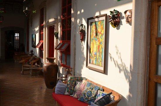 Hotel Casa Encantada: 1er patio