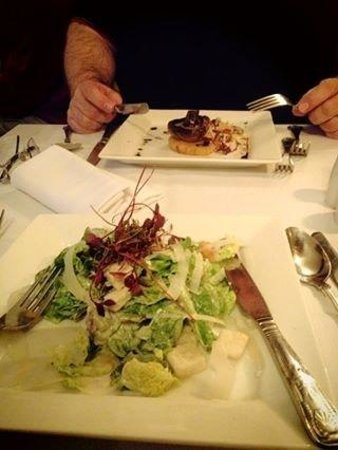 Ramada Resort Cwrt Bleddyn Hotel & Spa : caesars salad for me and mushroom to start with for hubby
