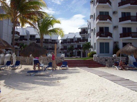 Las Perlas Condos : hotel vista desde playa