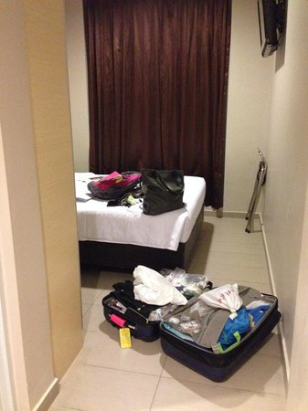 Parc Sovereign Hotel - Albert St.: Size of room