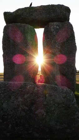 Salisbury & Stonehenge Guided Tours: Stonehenge at Dusk with 15 other people - amazing!!