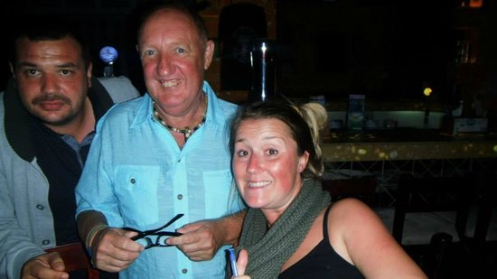 Booze Cruise Sports Bar & Grill: Ken Dodd