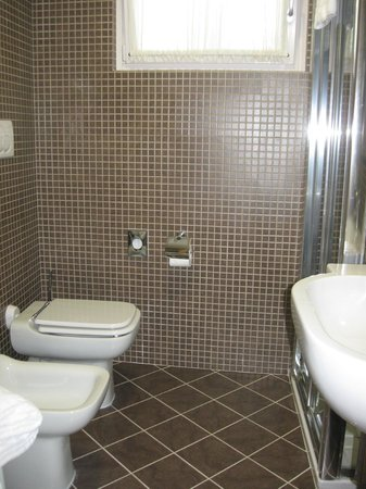 Hotel Belvedere : bathroom