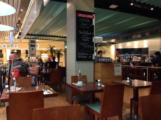 The Brasserie at Schiphol  Airport : The seating