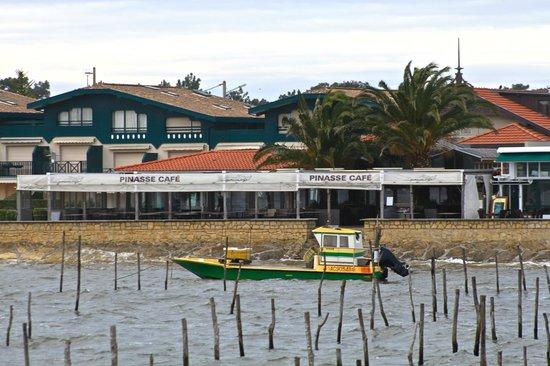 Pinasse Cafe: vue du ponton