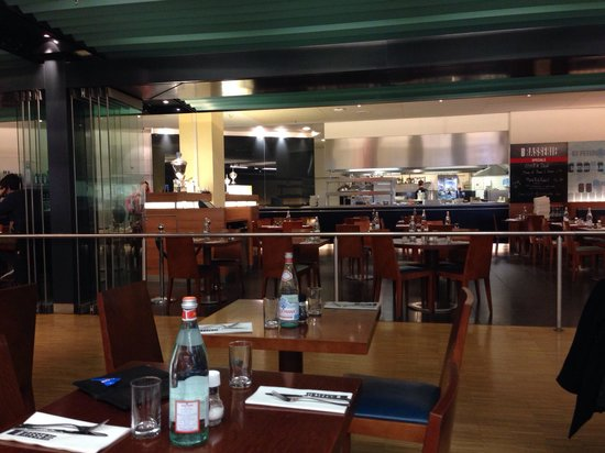 The Brasserie at Schiphol  Airport : Restaurant with kitchen in the back