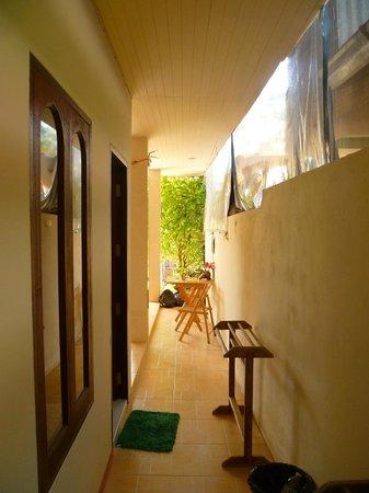 Smile Samet House: Hallway