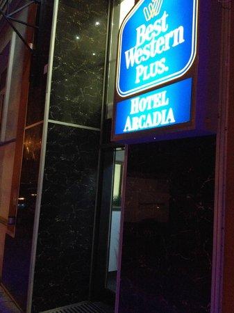 BEST WESTERN PLUS Hotel Arcadia: Outside