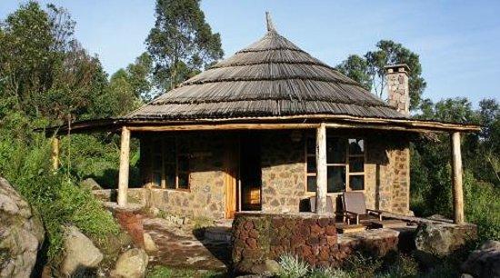 Mount Gahinga Lodge : Nyiragongo room - one of refurbished rooms Feb 2014