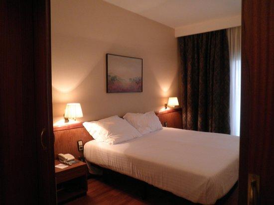 Hotel Ciudad de Castelldefels: habitacion