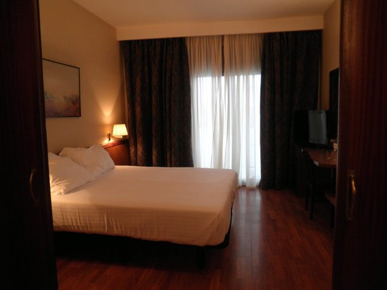 Hotel Ciudad de Castelldefels : habitacion