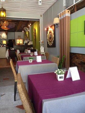 Bussaba Thai Restaurant: kunstvoll dekoriert