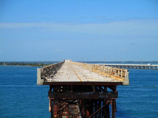 Bahia Honda State Park and Beach: The old bridge from Overlook