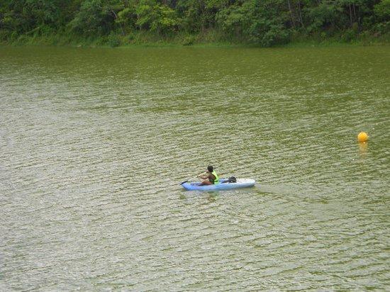 Cachaca Museum : Caiaque no lago