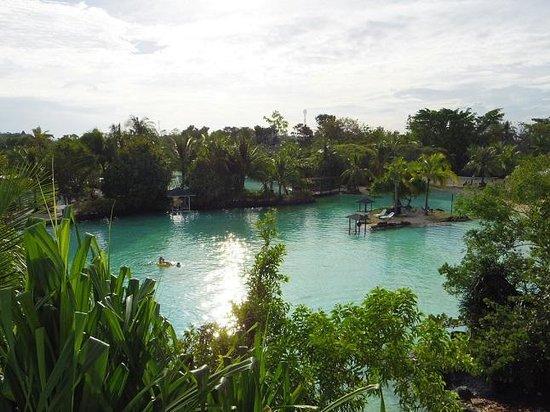 Plantation Bay Resort And Spa: 広大なラグーンが自慢です♪