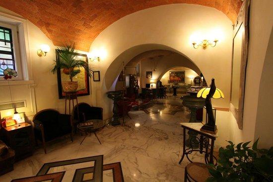 Hotel Emona Aquaeductus : Lobby