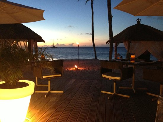 Bucuti & Tara Beach Resort Aruba : Dinner on the beach