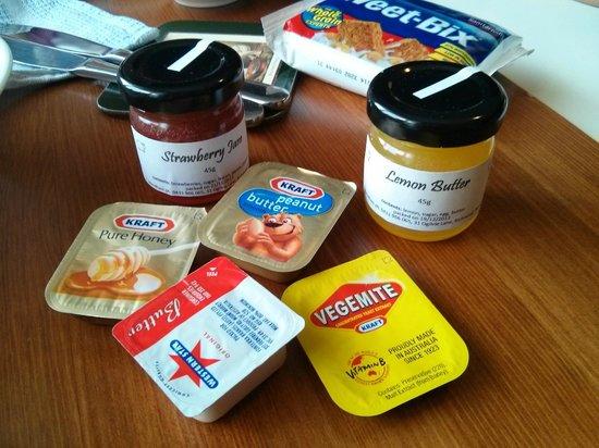 Taras Richmond Farmstay: Homemade jams for breakfast!