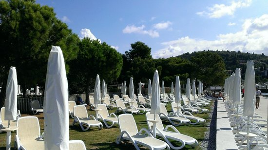 Hotel Slovenija - LifeClass Hotels & Spa : Пляж комплекса