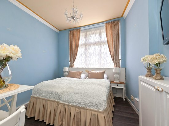 Cathedral Prague Apartments: Deluxe Studio