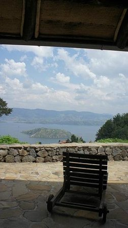 Virunga Lodge: View from Bulera banda