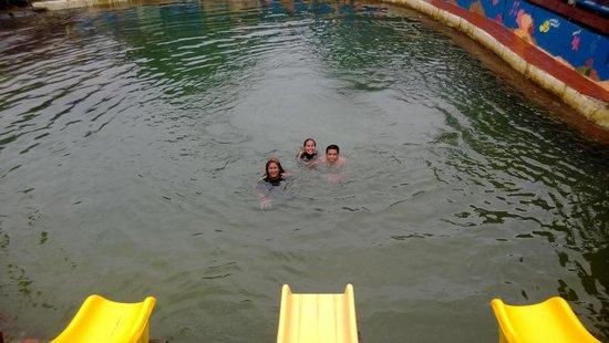 Samoa Hideaway Beach: Kids swimming area