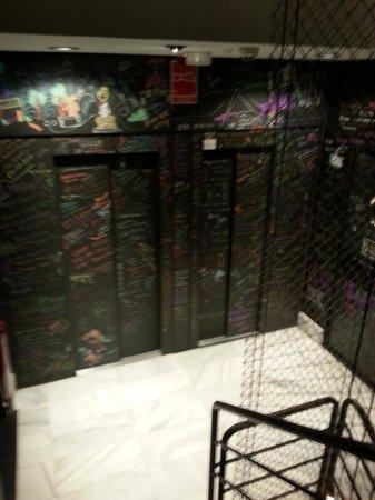 Room007 Ventura Hostel: Stairway
