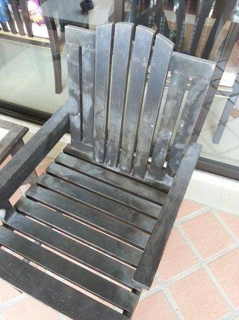 Aonang Ayodhaya Beach Resort: Chair on the balcony of Deluxe room.