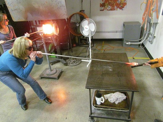 Terrapin Glassblowing Studio: Blow!