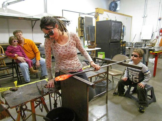 Terrapin Glassblowing Studio: Blow Your Own Ornament