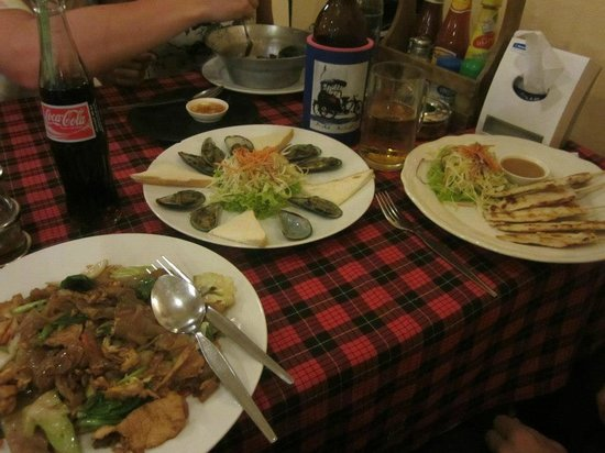 Crystal Restaurant: Large variety of tasty meals