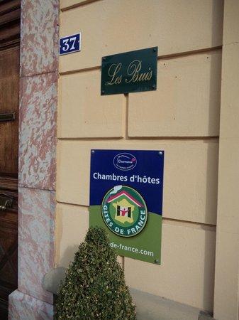 Les Buis: ホテルの看板