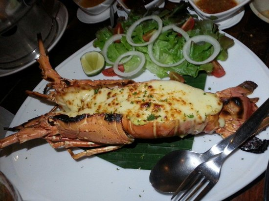 Lae Lay Grill: Lobster thermidore.