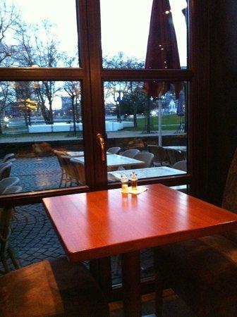 Hotel Drei Kronen: locale colazione