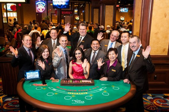 Twin River's friendly Table Games Staff and Hosts - Picture of Twin River  Casino Hotel, Lincoln - Tripadvisor