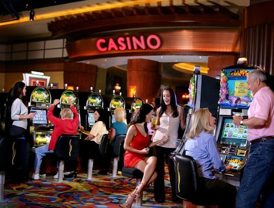 Twin River Casino: Over 4,500 Slots!