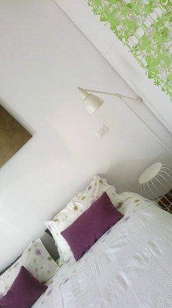 Porta Garibaldi Bed and Breakfast: dettagli camera 1