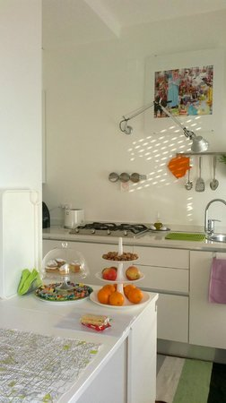 Porta Garibaldi Bed and Breakfast: dettagli cucina soggiorno