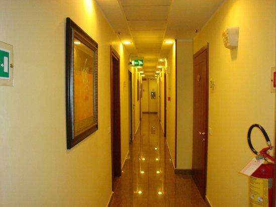 Augusta Lucilla Palace: Hall way on 3rd floor