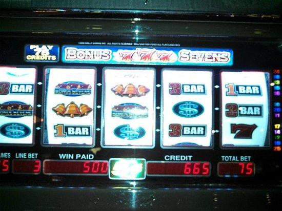 Hollywood Casino Bangor Hotel: slots ... 1st floor