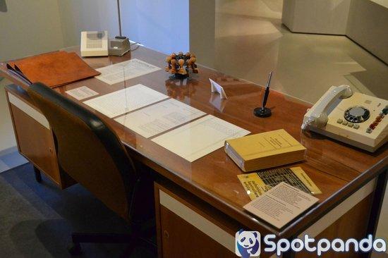Museum in der Kulturbrauerei: Spotpanda pictures: DDR Museum - Desk