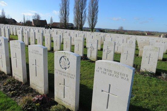 Baert Bed & Breakfast: Tyne Cot cemetery