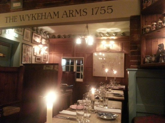 The Wykeham Arms: Cosy of an evening