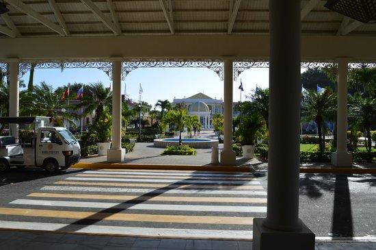 Luxury Bahia Principe Bouganville Don Pablo Collection: main lobby of gb