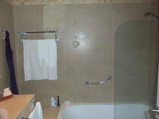 Hotel  Arenas del Mar: Bathroom