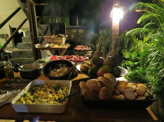 Che Lagarto Suítes Ilha Grande: Comedor